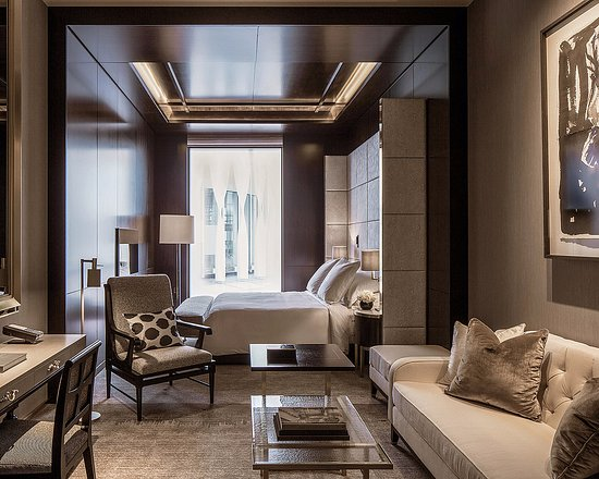 Executive Room - seating area and bedroom - Picture of Four ...
