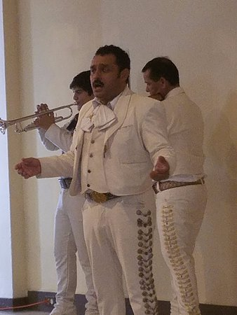 Gran Porto Resort: lobby entertainment with the Mariachi band