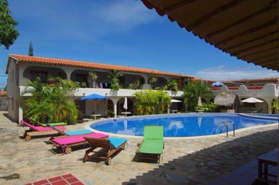 Posada Las Ross: 16 rooms, 2 pools
