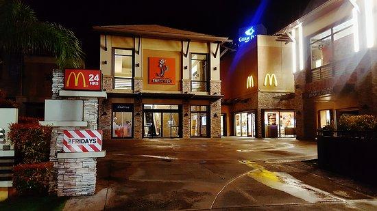McDonald's Tumon JP Super Store: 20170127_015813_large.jpg
