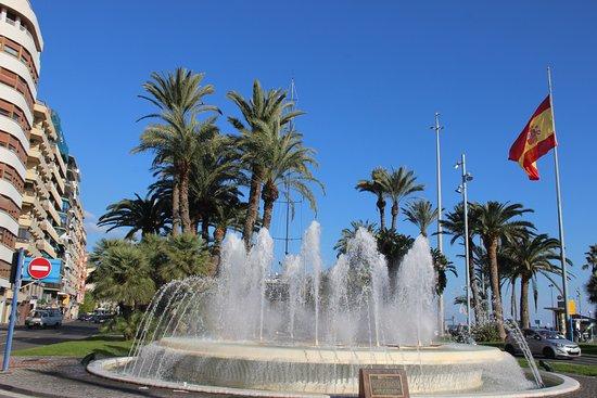 Plaça Porta del Mar