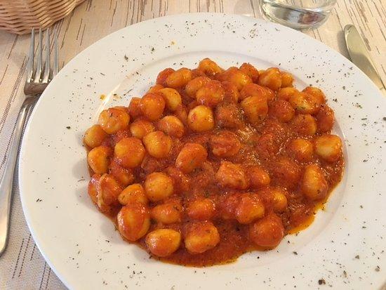 Larciano, Italy: Gnocchi alla sorrentina