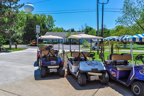 Put-in-Bay Golf Cart Rental - Picture of Islander Inn, Put ...