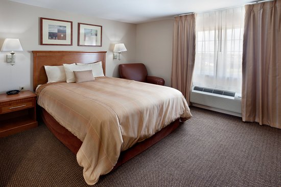 Candlewood Suites San Antonio NW Near Seaworld: Suite