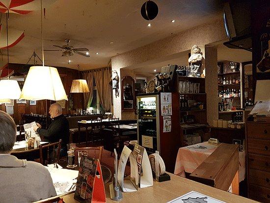 Gasthaus Alt Berlin: Уютный старый кабачок