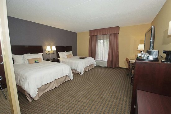 Vineland, NJ: Accessible Queen Room