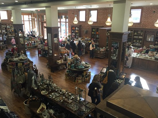 The Perfect Day Trip Review Of The Pioneer Woman Mercantile
