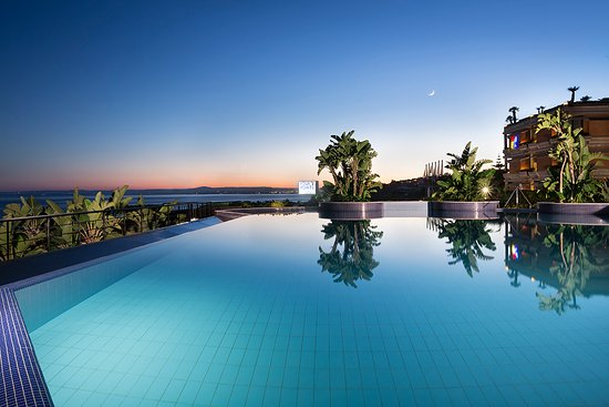 Four Points by Sheraton Catania Hotel & Conference Center: Piscina al tramonto