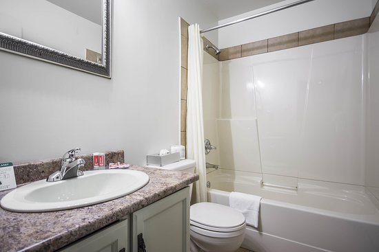 Vernon, كندا: Bathroom