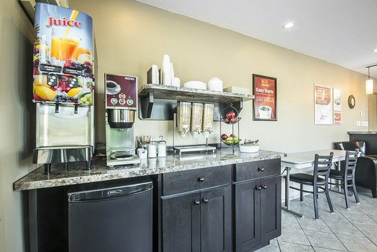 Vernon, Canada: Breakfast area