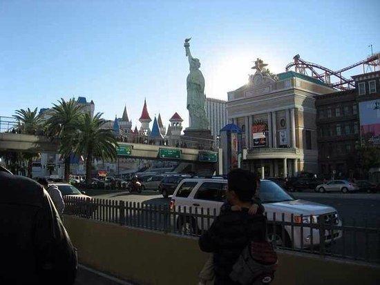 St James Roman Catholic Cathedral: Vegas