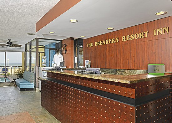 The Breakers Resort Inn: Front Desk