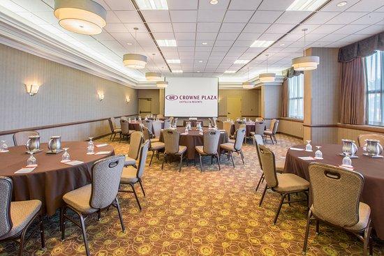 Crowne Plaza Lansing West: Reo Meeting Room