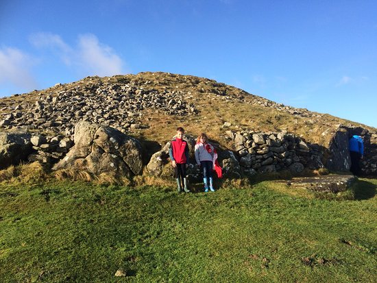 Oldcastle, Irlanda: Loughcrew Cairns tomb