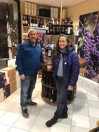 Montalcino, Italia: Such a fun wine tasting experience!