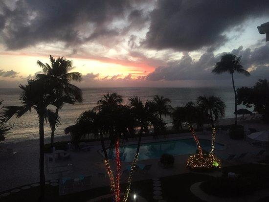 Aqua Bay Club: Very festive at Christmas!
