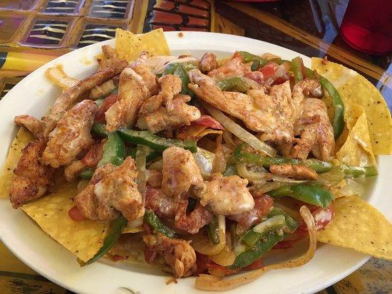 Madisonville, TN: Chicken fajita nachos