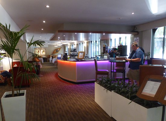 Copthorne Hotel Auckland City: Lounge and Bar