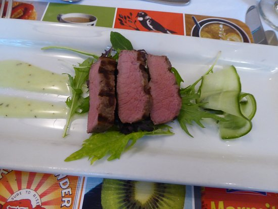 Copthorne Hotel Auckland City: Minted Lamb Salad