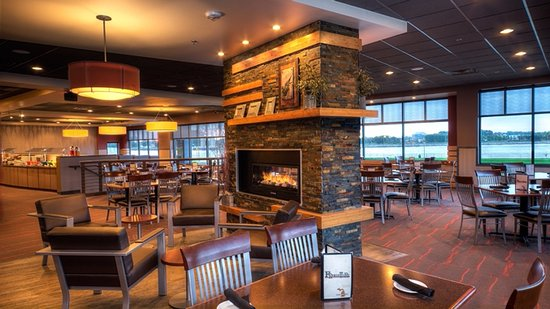 Fireplace lounge picture of freighters eatery taproom port freighters eatery taproom fireplace lounge teraionfo