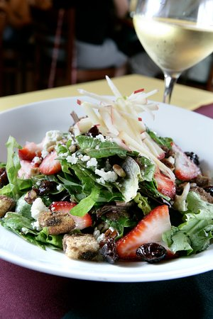Chesterfield, MI: Twisted House Salad