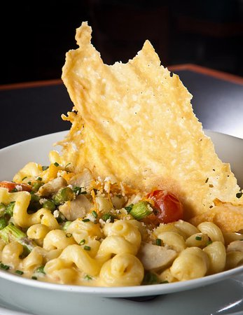 Chesterfield, MI: Twisted Mac & Cheese