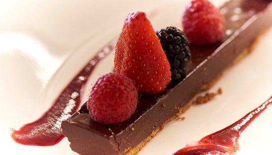 dessert chocolat et fruits rouges picture of le grand cerf ernee tripadvisor