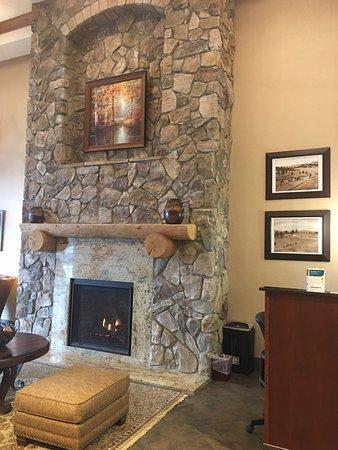 Comfort Suites Golden West on Evergreen Parkway Image