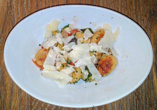 Worthington, Οχάιο: On Half Serving of Gnocchi (we split an order)