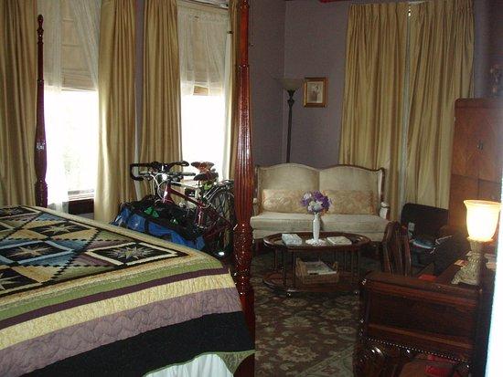 Edgewater Hotel Photo