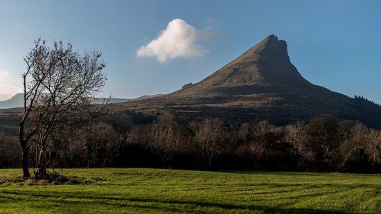 County Sligo, Ireland: Hiking Benwisken with High Hopes Hiking