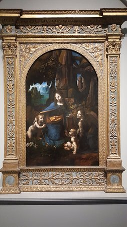National Gallery: Virgin of the rocks by da Vinci