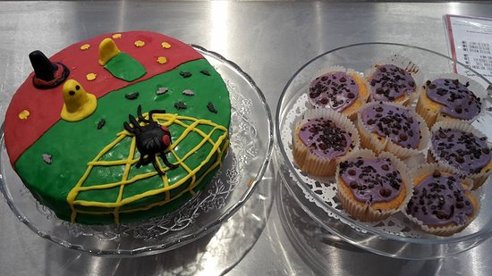 Alvechurch, UK: Cakes from halloween