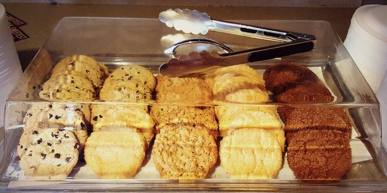 Berlin, OH: Evening Snacks from 7-9pm includes cookies from Kauffman's Country Bakery