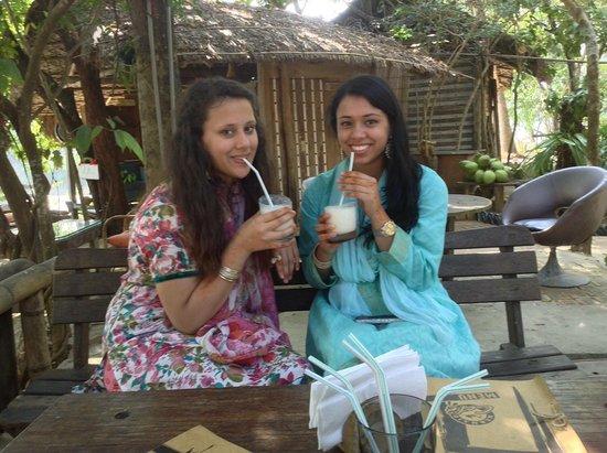 Mermaid Cafe: Best milkshakes in Bangladesh!!!