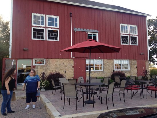 Caledonia, IL: McEachran Homestead Winery