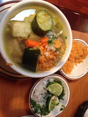 Casa Blanca Restaurant: CAldo de Res (Beef Soup) Delicious!