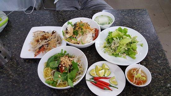 Ngoc Chi Vegetarian Restaurant Tasty Local Noodles Yellow Noodes And Banh Cuon
