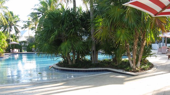 Tranquility Bay Beach House Resort: the larger pool
