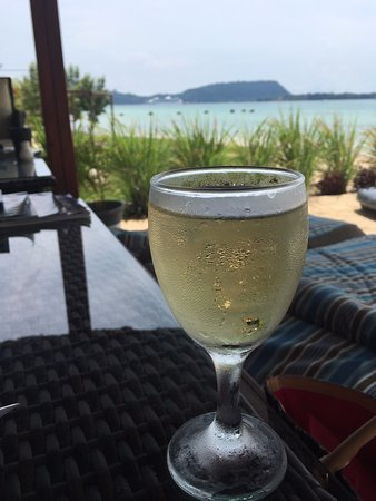 Moorings Restaurant & Bar: the view from the beach side restaurant