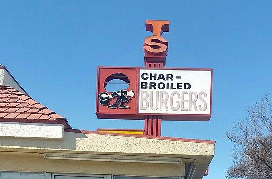 La Habra, แคลิฟอร์เนีย: T and S Burgers