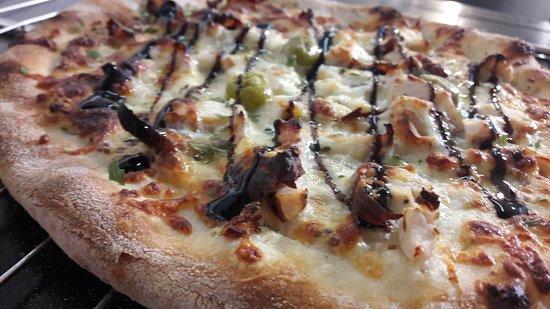 Althen-des-Paluds, Frankrig: Pizzas artisanales, coulis fait maison. Le bonheur des papilles.