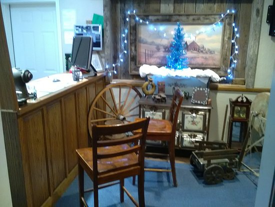 Humansville, MO: Main Office at Christmas time 2016