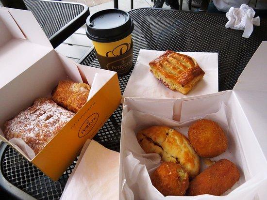 Porto's Bakery & Cafe: パイも美味しかった