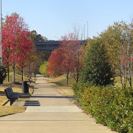 Riverfront Park: Walk & Cycleway