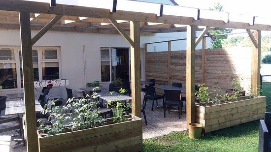 Campanile Bethune - Fouquières Les Béthune : Notre terrasse pour vous accueillir a toutes heures