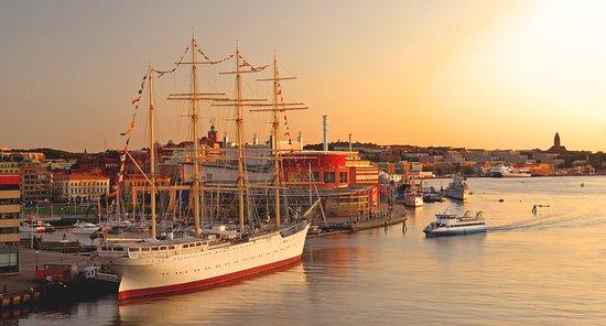 Gothenburg harbor. Photo Göran Assner/imagebank.sweden.se