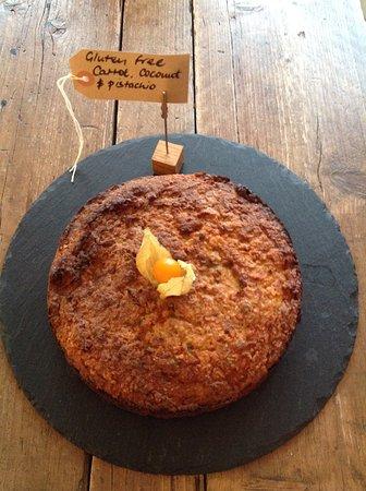 Ditchling, UK: Gluten free cake .....