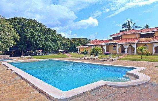 Mwembe Resort Photo