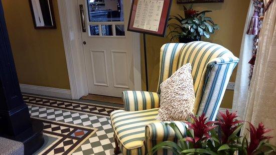 Victoria House Hotel: Ingresso alla sala per la colazione